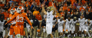 2016 Pitt vs Clemson Football - Chris Blewitt kicks winning 48 yard field goal